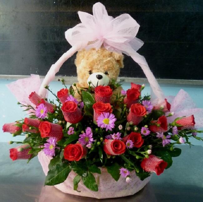 Nên tặng hoa tươi cho những người bạn yêu thương