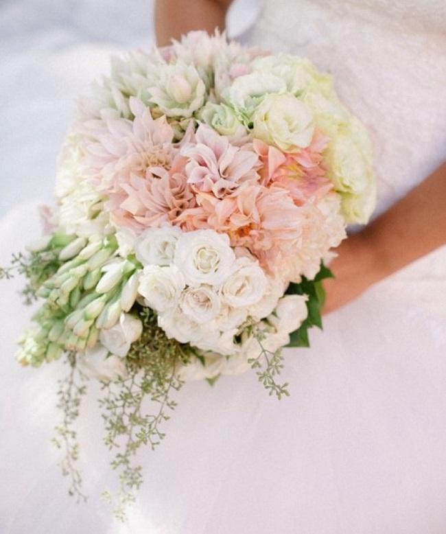 Phối màu hoa cầm tay cô dâu 1