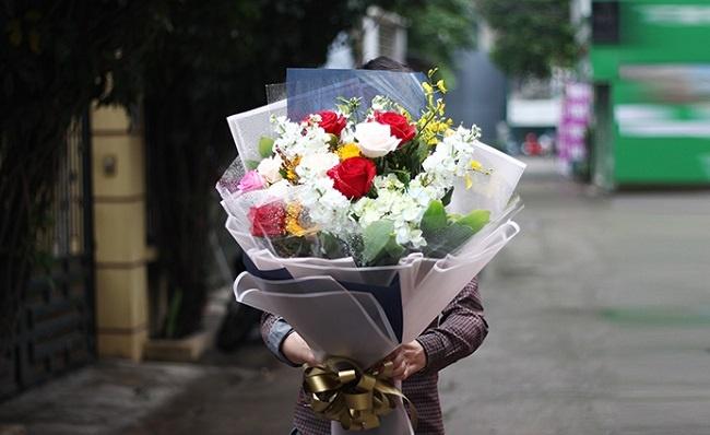 Tặng hoa gì cho sinh nhật bố chồng để trở thành con dâu ngoan ở nhà chồng