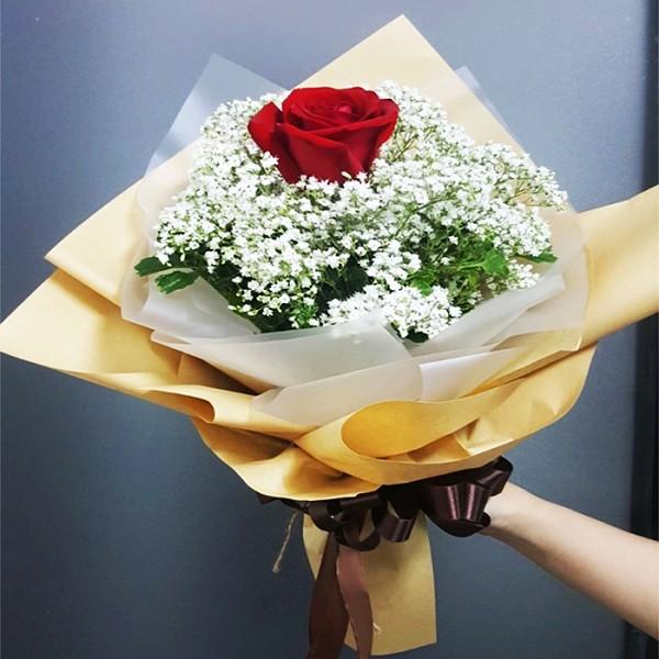chọn hoa sinh nhật cho bé gái Hoa baby trắng