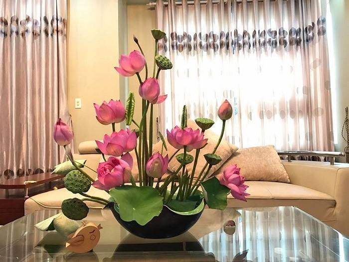 Hoa sen tặng mẹ