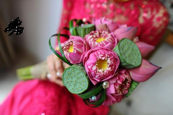 Chọn hoa cưới màu nào phù hợp với màu váy cưới